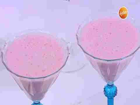 Photo of طريقة تحضير عصير موز بالفراولة | نورا السادات